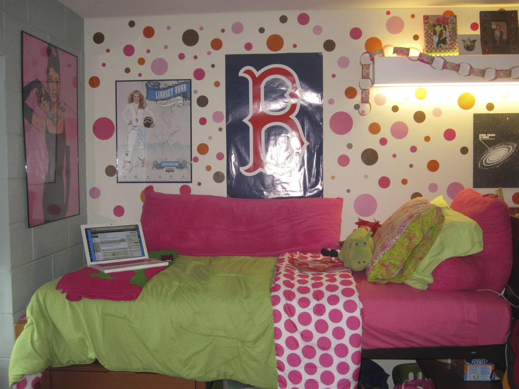 Preppy Dorm Room Tour